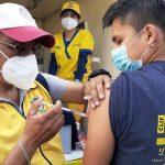 La vacunación sigue casa por casa en Santa Catarina Pinula